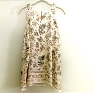 🍀🍀Max Studio Floral Sleeveless Blouse